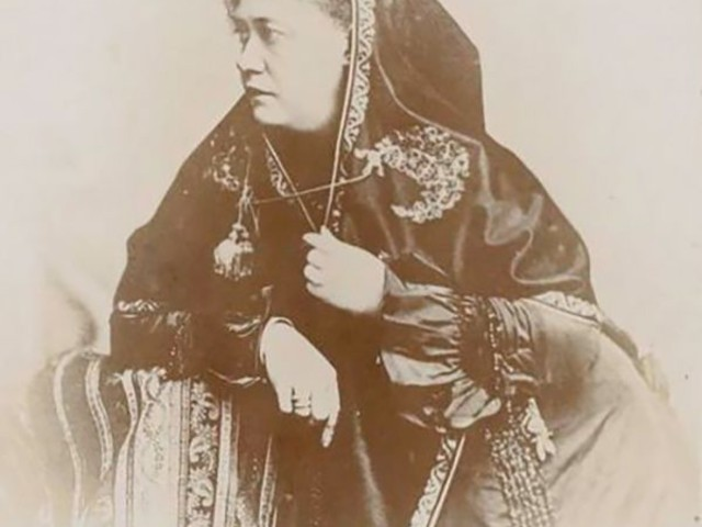The 19th Century's Seance Queen