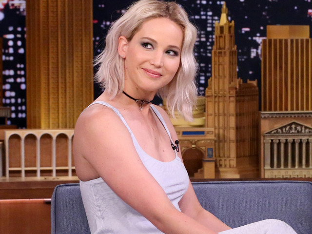 Jennifer Lawrence Plays True Confessions With John Oliver! (Video)