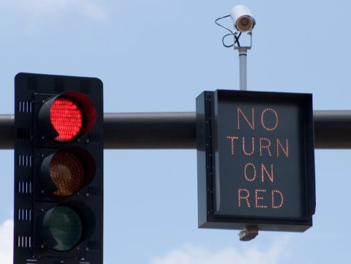 IIHS Study Shows Increased Fatalities When Cities Remove Red-Light Cameras - CarsDirect