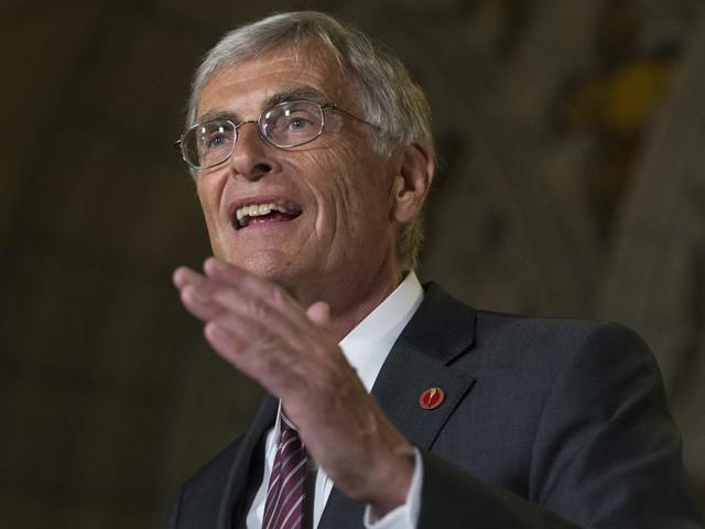 Sen. James Cowan, Canadian Coalition For Genetic Fairness Win U.S. Advocacy Award