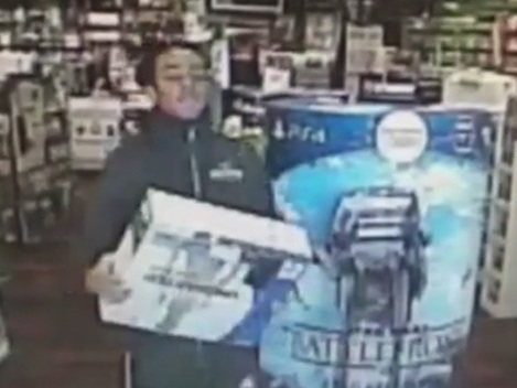 Video: Man Steals PlayStation 4 From LI Game Stop