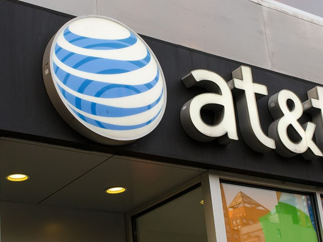 AT&T is limiting two-year contracts, why won't it just kill them?