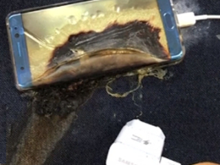 Galaxy Note 7 explodes as passengers board Louisville flight (Update: it was a 'safe' one)