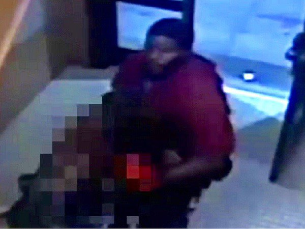 VIDEO: Man stomps on woman's stomach, steals purse in Bronx apartment building